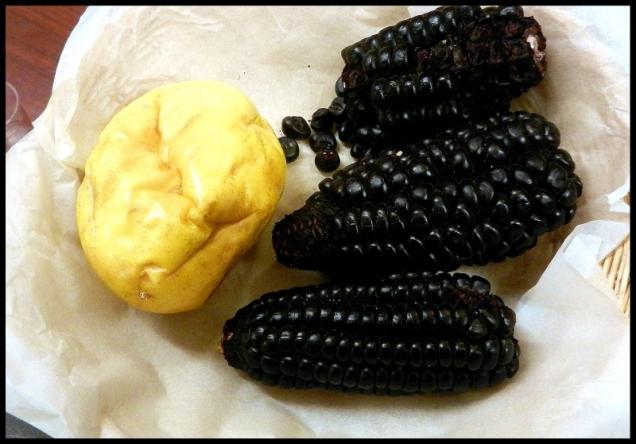 Czarna kukurydza i marakuja.